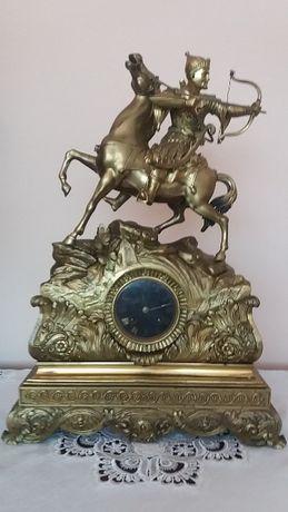 Zegar kominkowy, brąz, antyk liczący ponad 200 lat.