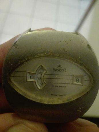 Relógio antigo de corda