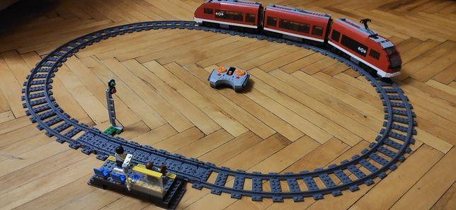Железная дорога LEGO City Пассажирский поезд (7938) + АКЦИЯ