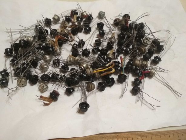 Транзисторы МП разные 132 шт. (перечень на фото №7)