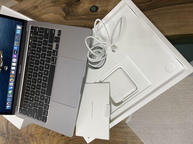 MacBook Pro 2020 (MXK 32)256 gb повний комплект,стан нового