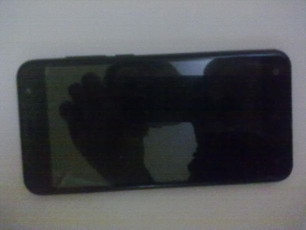 телефон Prestigio muze B3