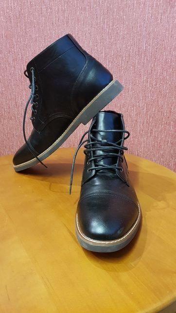 Продам ботинки р46-47