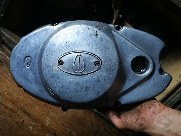 Крышка коленвала, крышка двигателя.