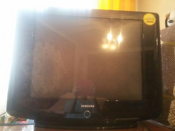 Телевизор samsung,диагональ 69см