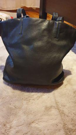 Czarna torebka typu worek - darmowa wysyłka