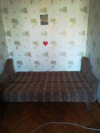 2 великих дивани, деревяний каркас