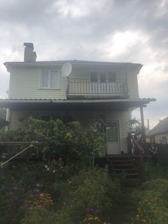 Двухэтажный дом, 35 км от Киева  с Видом на речку