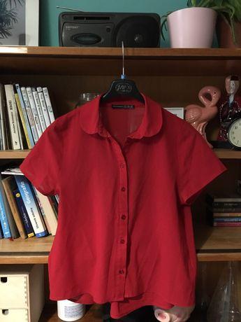 Czerwona koszula z guzikami retro vintage