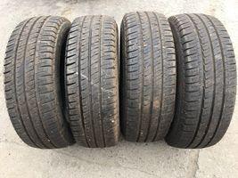 215/60R17C Michelin Agilis 109T