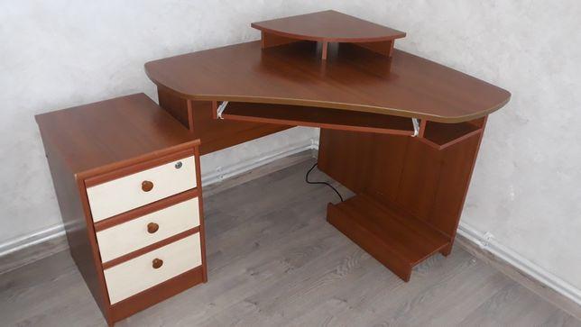 Компютерний кутовий стіл