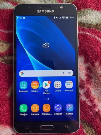 Продаю Samsung Galaxy J7