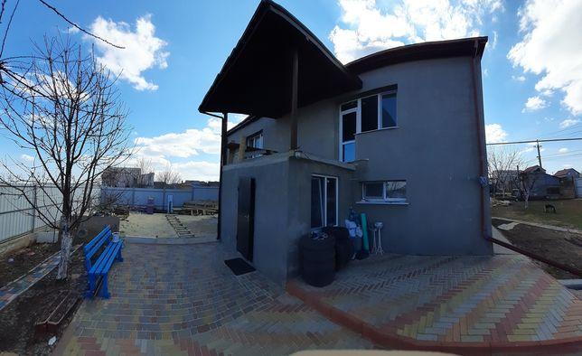 Продается Дом 2эт, 9×11 Нерубайского.  Возможен обмен на две квартиры.