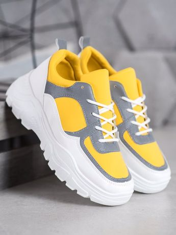 Продам новые модные кроссовки Сникерсы 36 размера