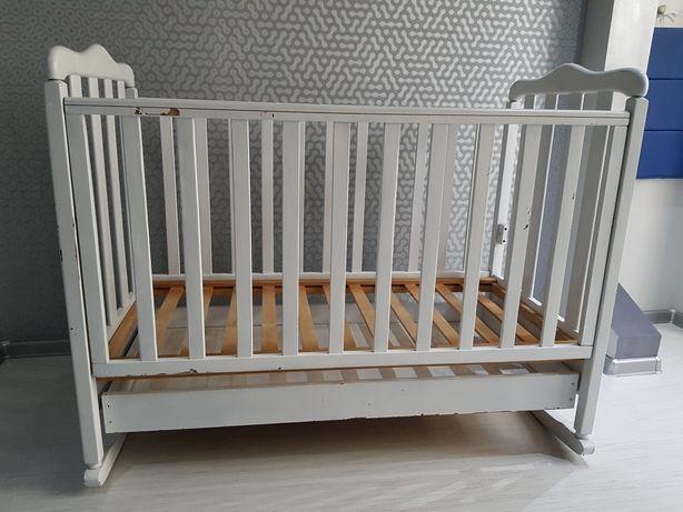 Набор:  детская кроватка, матрас, постельное белье