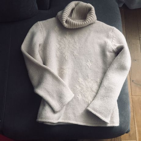 Шерстяной женский свитер
