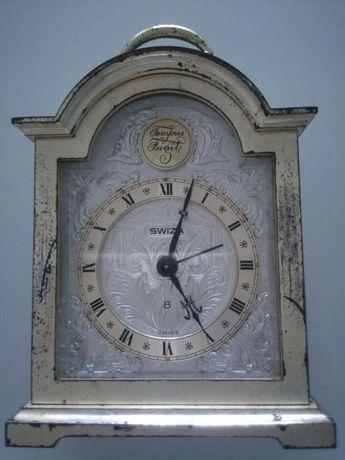 Relógio de mesa Swiza