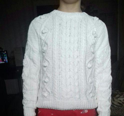 продаю свитер на девочку