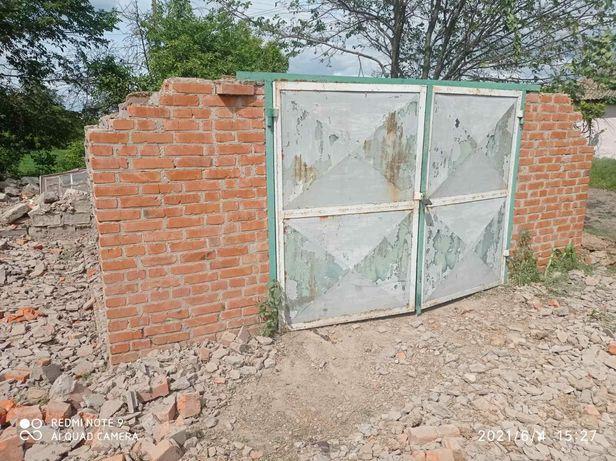 Гаражные ворота с рамкой