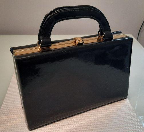 Czarna torebka w stylu retro