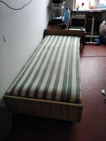 продам кровать односпальную  195 х85 см