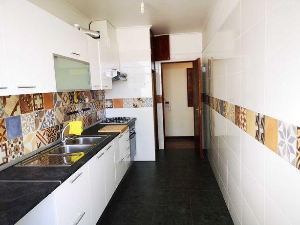Apartamento T2 Carcavelos, Rebelva