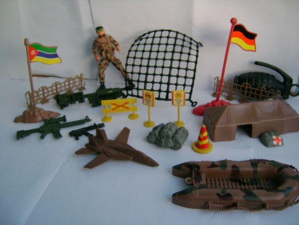 Солдатики комплект