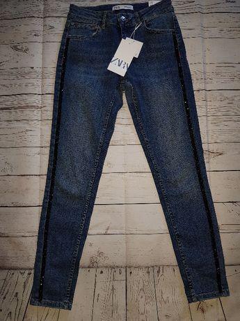 Узкие джинсы Zara с аппликациями по бокам. Оригинал, Испания