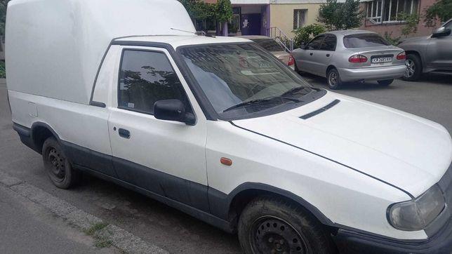 Автомобиль Шкода Фелиция