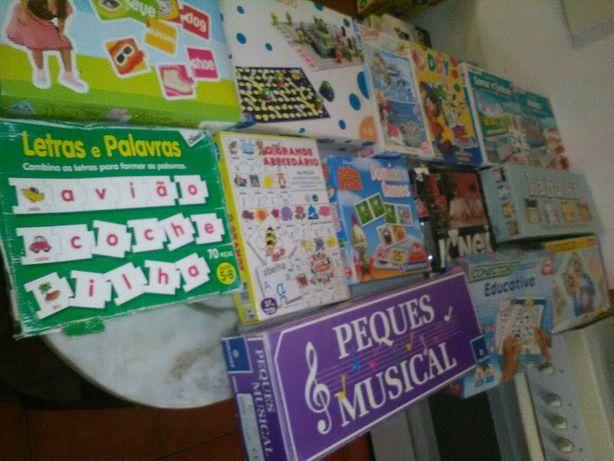 Conjunto de 22 Jogos/Puzzles Criança Diversos
