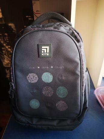 Рюкзак школьный новый известного бренда  для девочки 8-12 лет