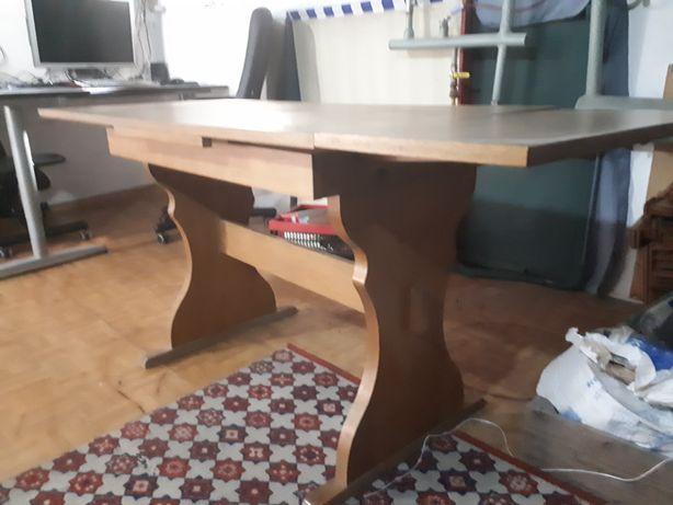 Sprzedam drewniany  stół rozkladany