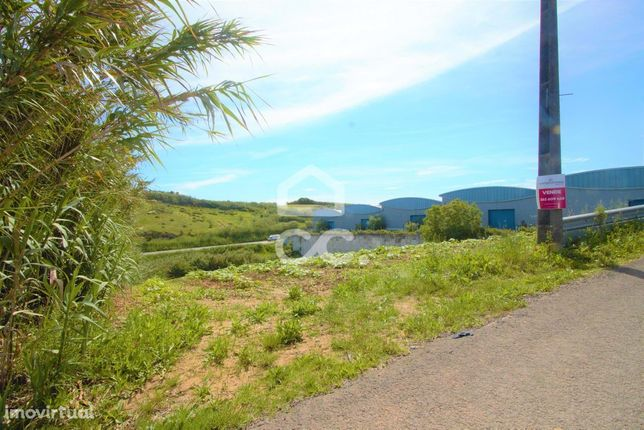 Terreno com 4560 m²