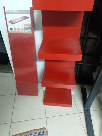 Estante de parede Vermelho 30x190cm.