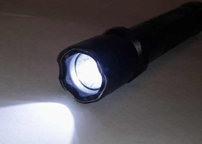 Продам светодиодный фонарь