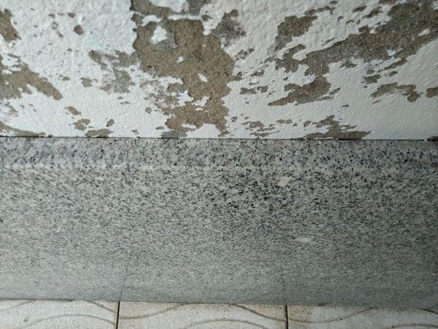 Tampo pedra granito Pedras Salgadas