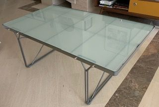 mesa com tampo em vidro