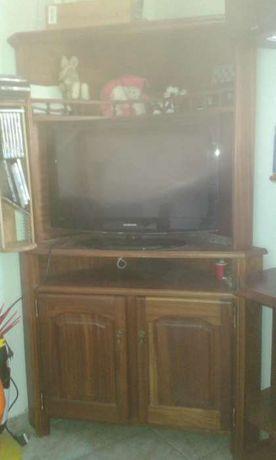 Móvel de canto para televisão com bar, em madeira trabalhada