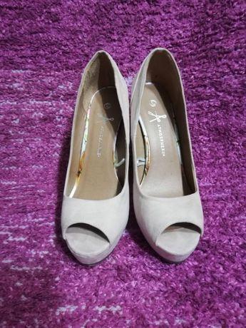 Sapatos elegantes Senhora