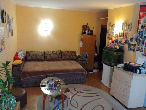 Продам 2-х комнатную квартиру с  ремонтом на Армейской!