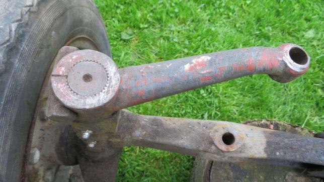 oś przednia zwężana z ursus c325 pochodzi z traktorka sam koła
