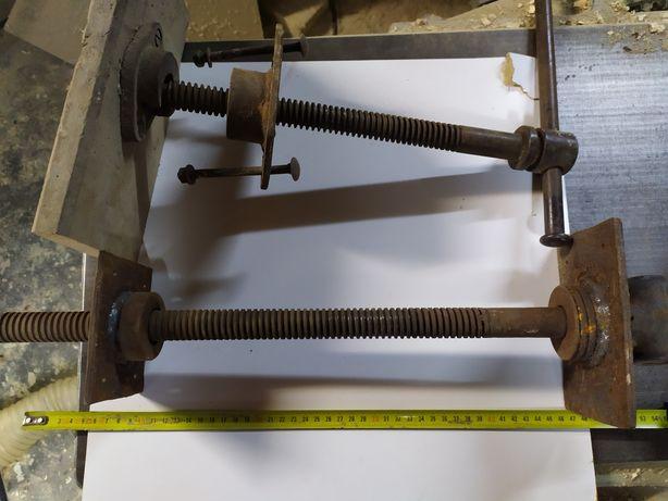 Śruba trapezowa, strugnica, stół stolarski