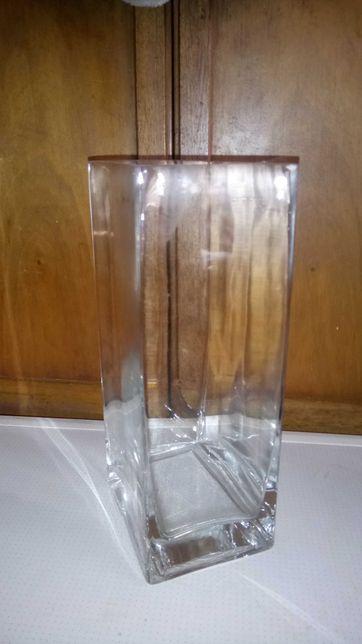 Стильная квадратная ваза высота 22 см состояние новое