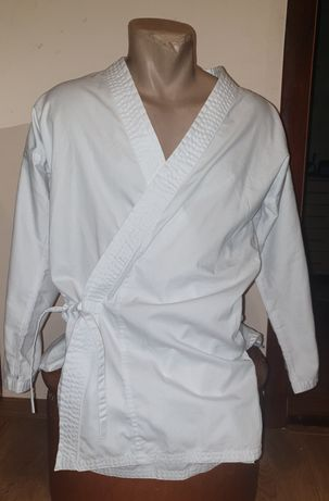 Новое кимоно Dekathlon карате