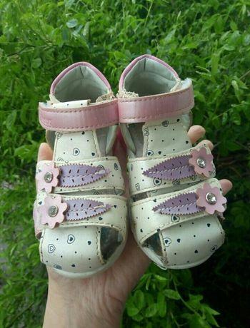 Босоножки,туфли,обувь для девочки