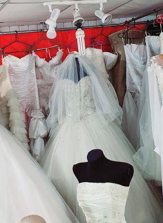 Свадебное платье M/L камни сваровски