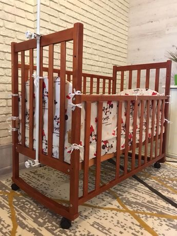 Дитяче ліжко з матрасом