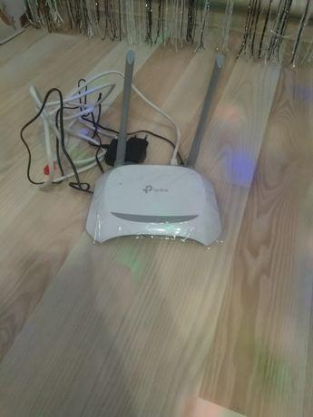 Роутер на дві антени без дефектів