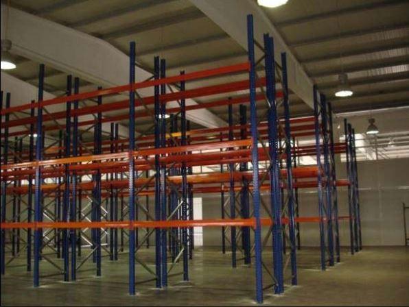 Estantaria pesada Estantes Estruturas em Aço para arrumar paletes