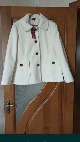 Красивое полупальто пиджак
